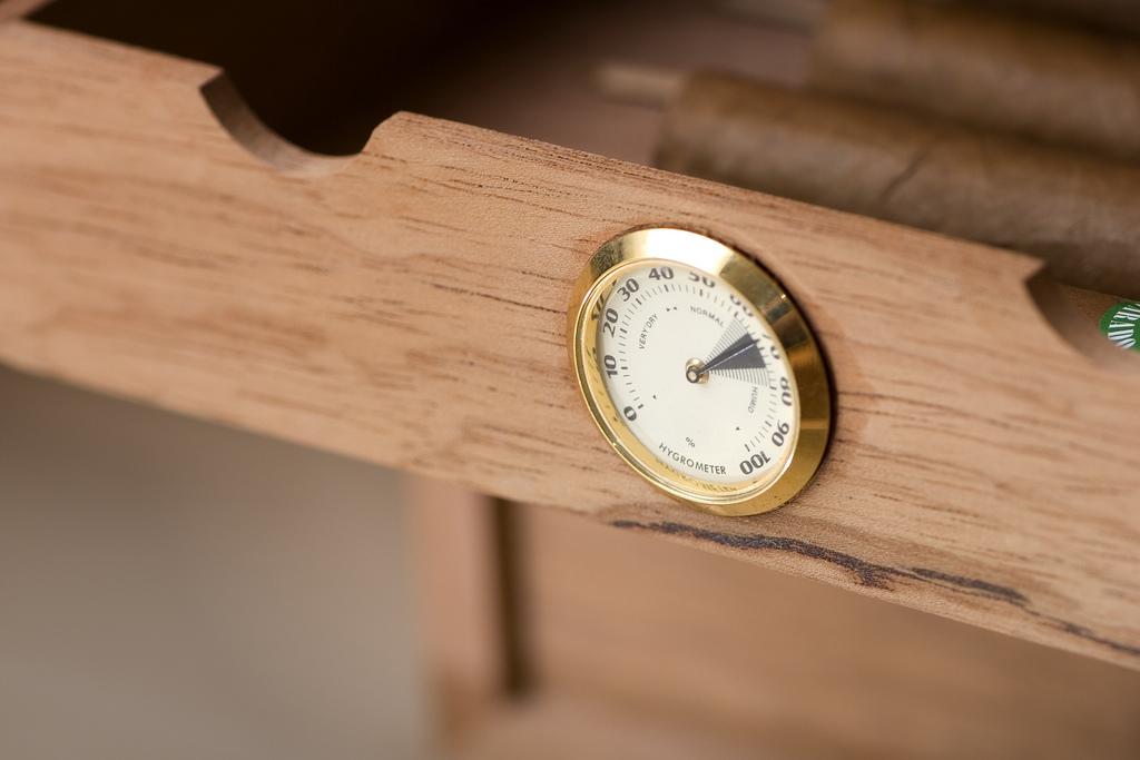 Гигрометр для определения влажности воздуха
