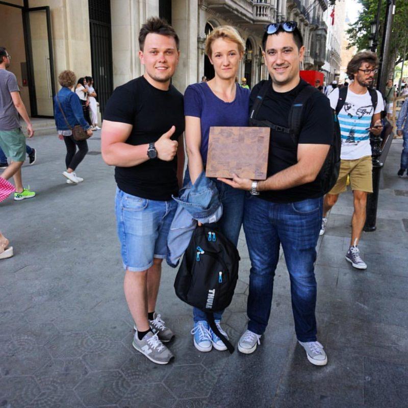 """Шеф сети ресторанов """"Brunch & Cake"""" Жаума Мирас с торцевой разделочной доской Naked Butt, г.Барселона, Испания"""