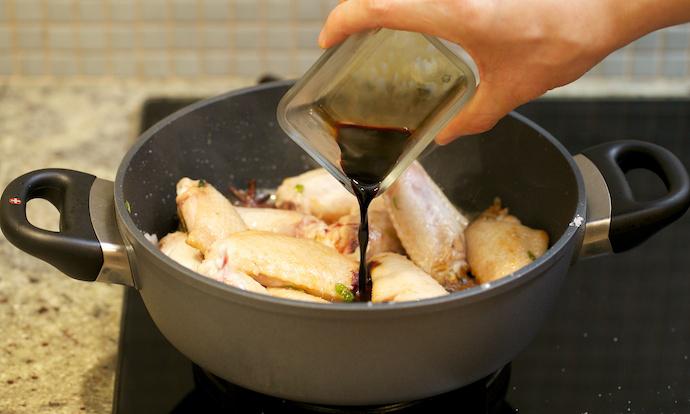 куриные крылья в соусе, куриные крылья в соевом, куриные крылья рецепт с фото, куриные крылья на сковороде, вкусные куриные крылья, куриные крылья с корочкой, куриные крылышки рецепты, как приготовить куриные крылышки, куриные крылышки на сковороде