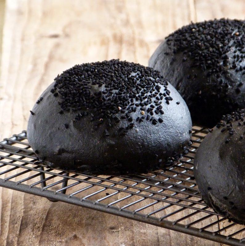 Черная булочка для бургера