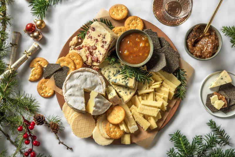 сырная тарелка, сырная доска, подача сыра, сырное ассорти, праздничный стол, сырная нарезка, как подавать сыр